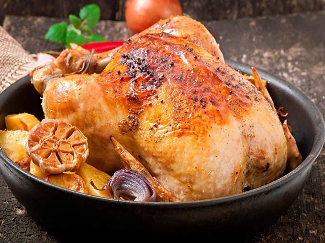 Les poulets entiers halal